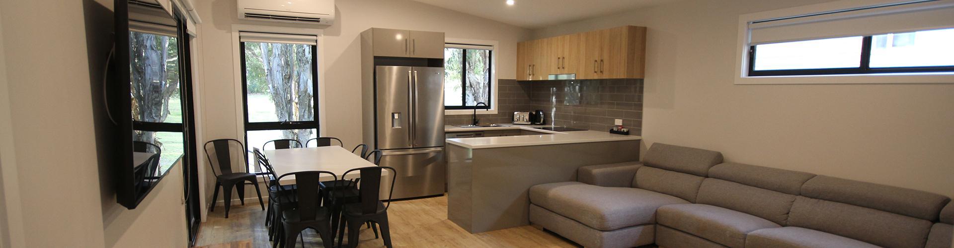 BIG4 Yarra Valley Park Lane Holiday Park - 3 Bedroom Condo - Living