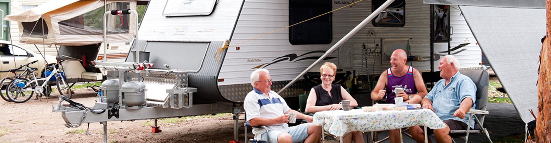 BIG4 Yarra Valley Park Lane Holiday Park - Ensuite Site - Friends Laughing